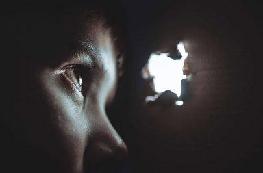 Признаки социофобии
